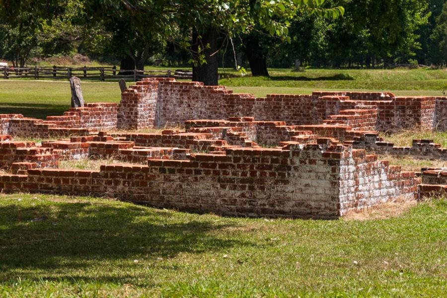 jamestown-ruins.jpg