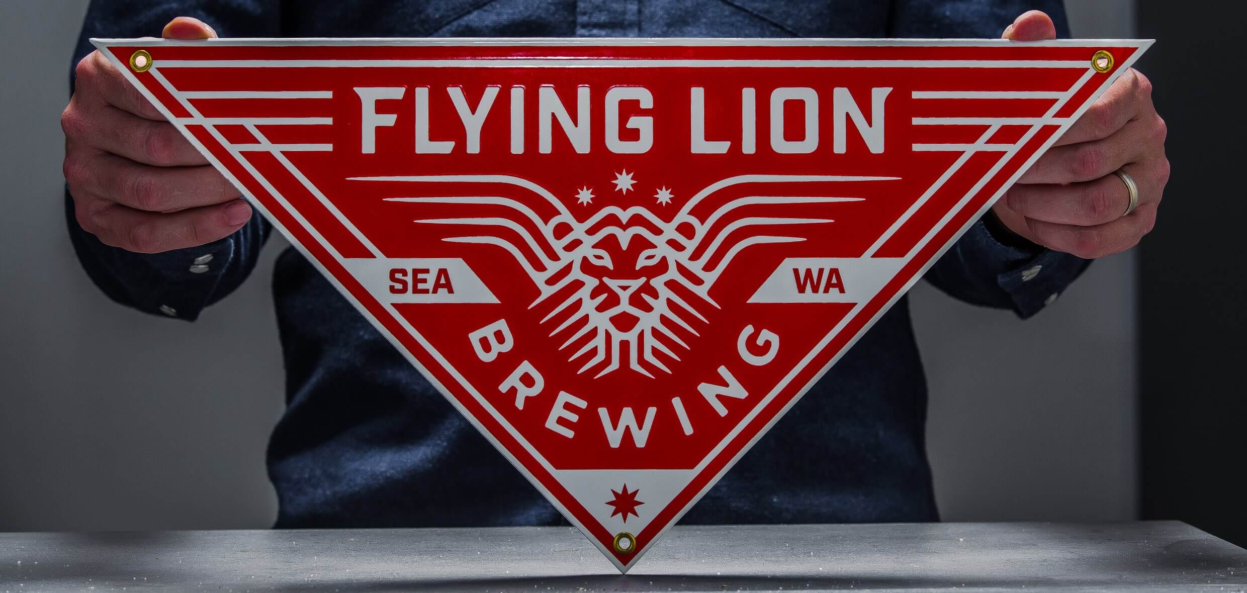 steely-spirits-branding-flying-lion@2x.jpg