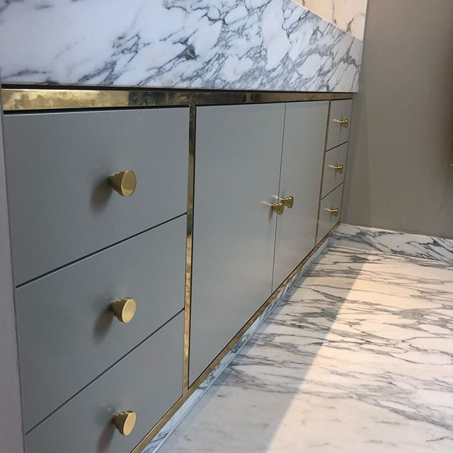 Joinery of dreams in our Fulham job master bed and en-suite #bathroom #dressingroom #marble #brass #cornice #projectmanagement