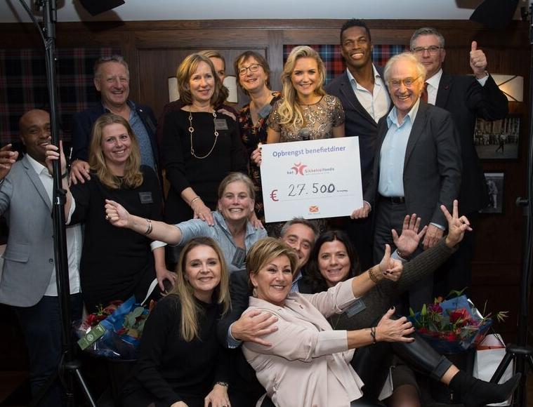 Het bestuur van het Sikkelcelfonds na afloop van het Benefietdiner op 14 november2017 in de KLM Open Golfclub The Dutch te Spijk.