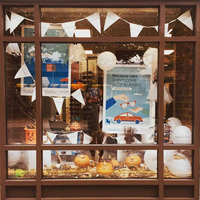 Autumn 🍂 window in.... Pumpkins 🎃 Ghosts 👻 and broomsticks.....#worldsightday