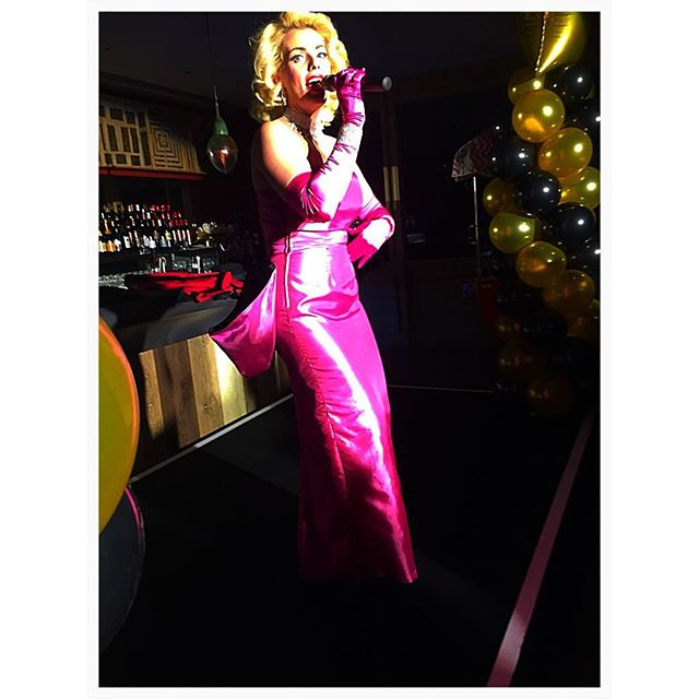 No Marilyn no Christmas #Officeparty #itschristmas