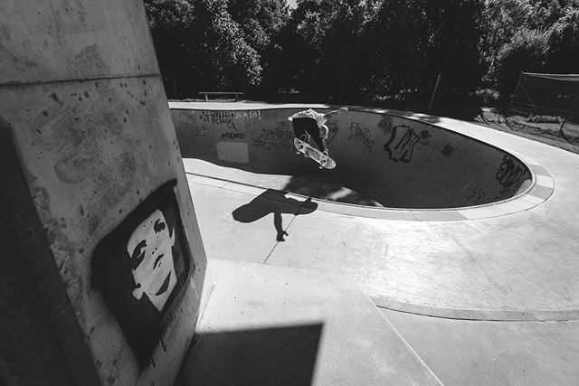 @shembragg punching it out at Bangalow, New South Wales. Shot by @danconnors #shakeybones #creativemindscollide #feeltherattle #thehealthymindsclub