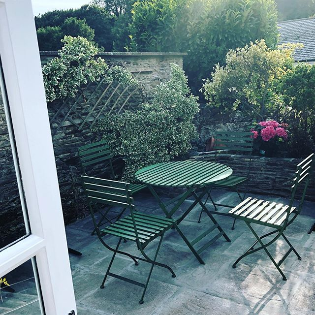A little sun trap! Builders all finished. Champagne cork will pop tonight. #devondream #southhamsdevon #avetongifford