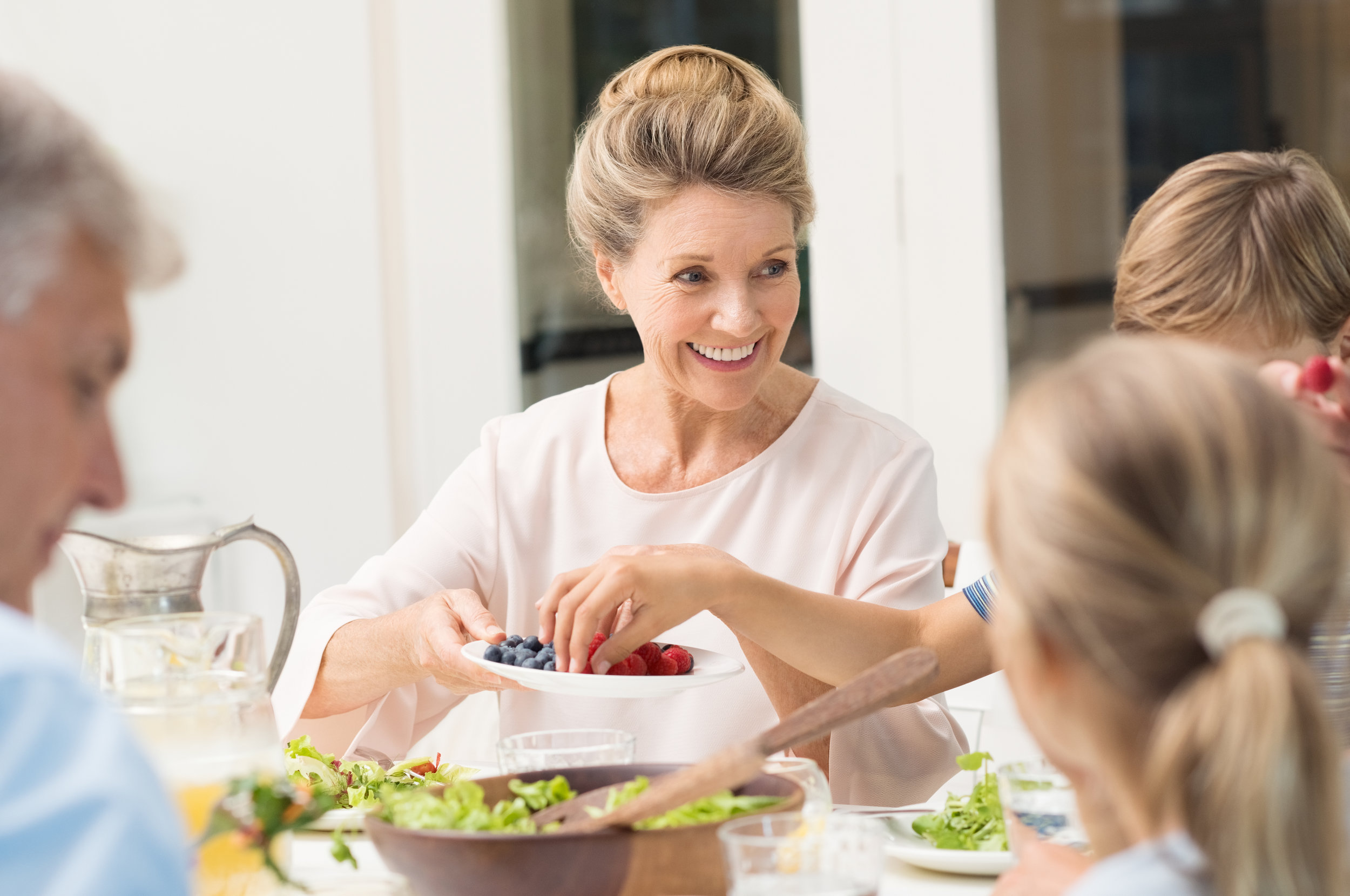 Family Nutrition & Wellness - Healthy eating is a family matter. Considering everyones food preferences, dietary needs and mealtimes can get complicated. Let me help you!