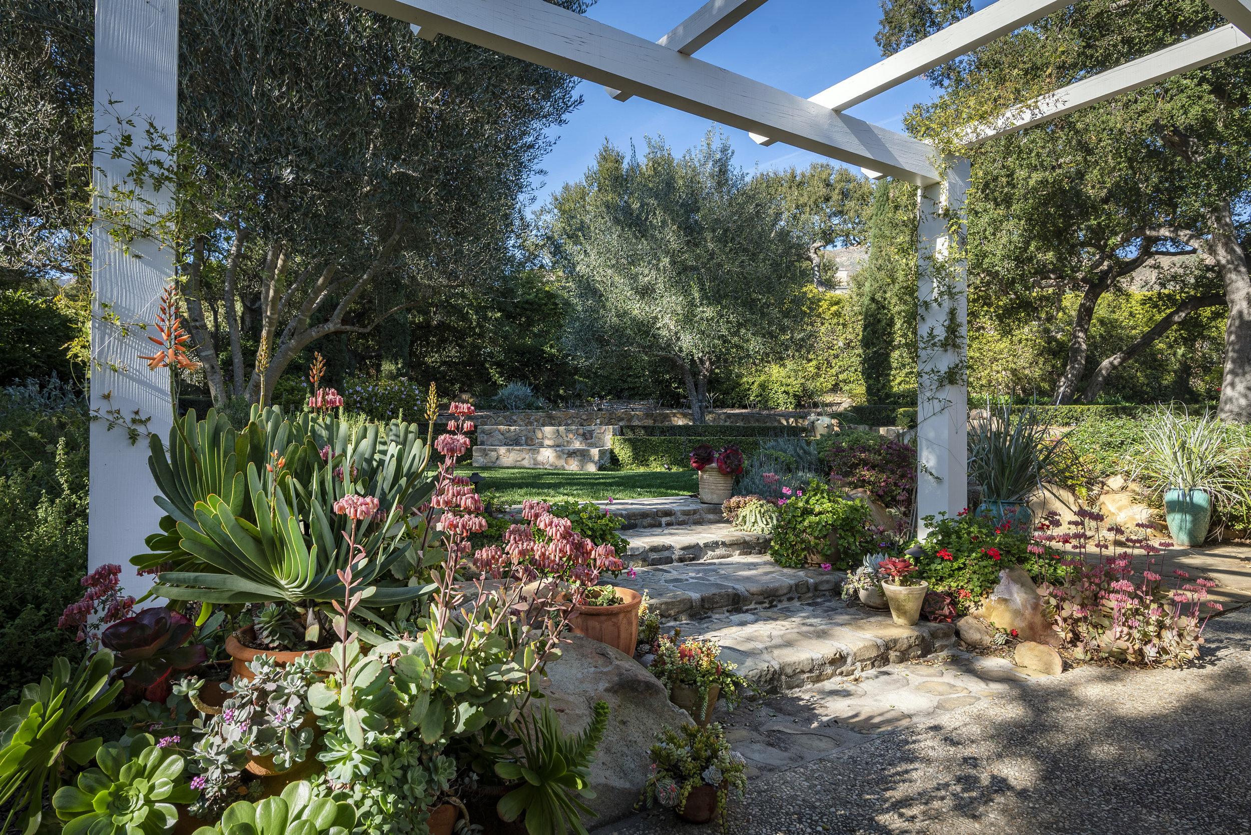 800 HS Garden Planters & Steps.jpg