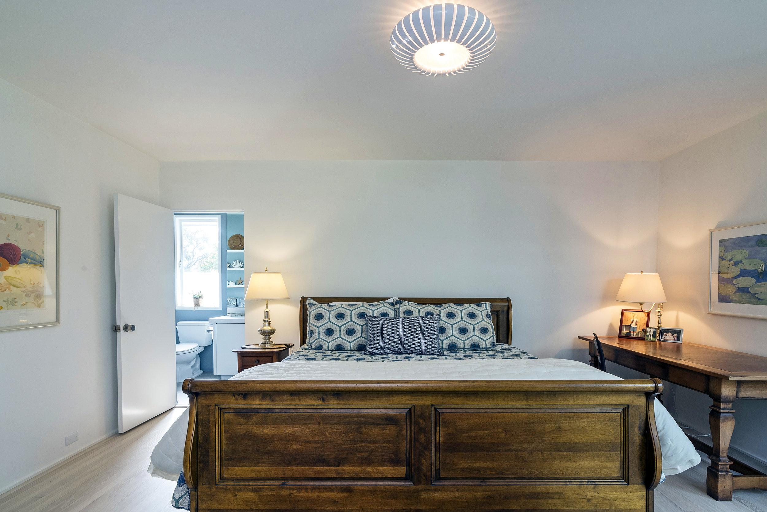 800 HS King Guest Suite.jpg