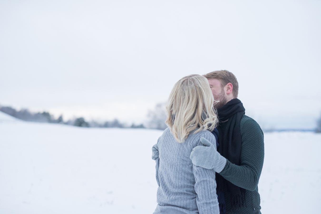 007-kärleksfotografering-uppsala-högar-neas-fotografi.jpg
