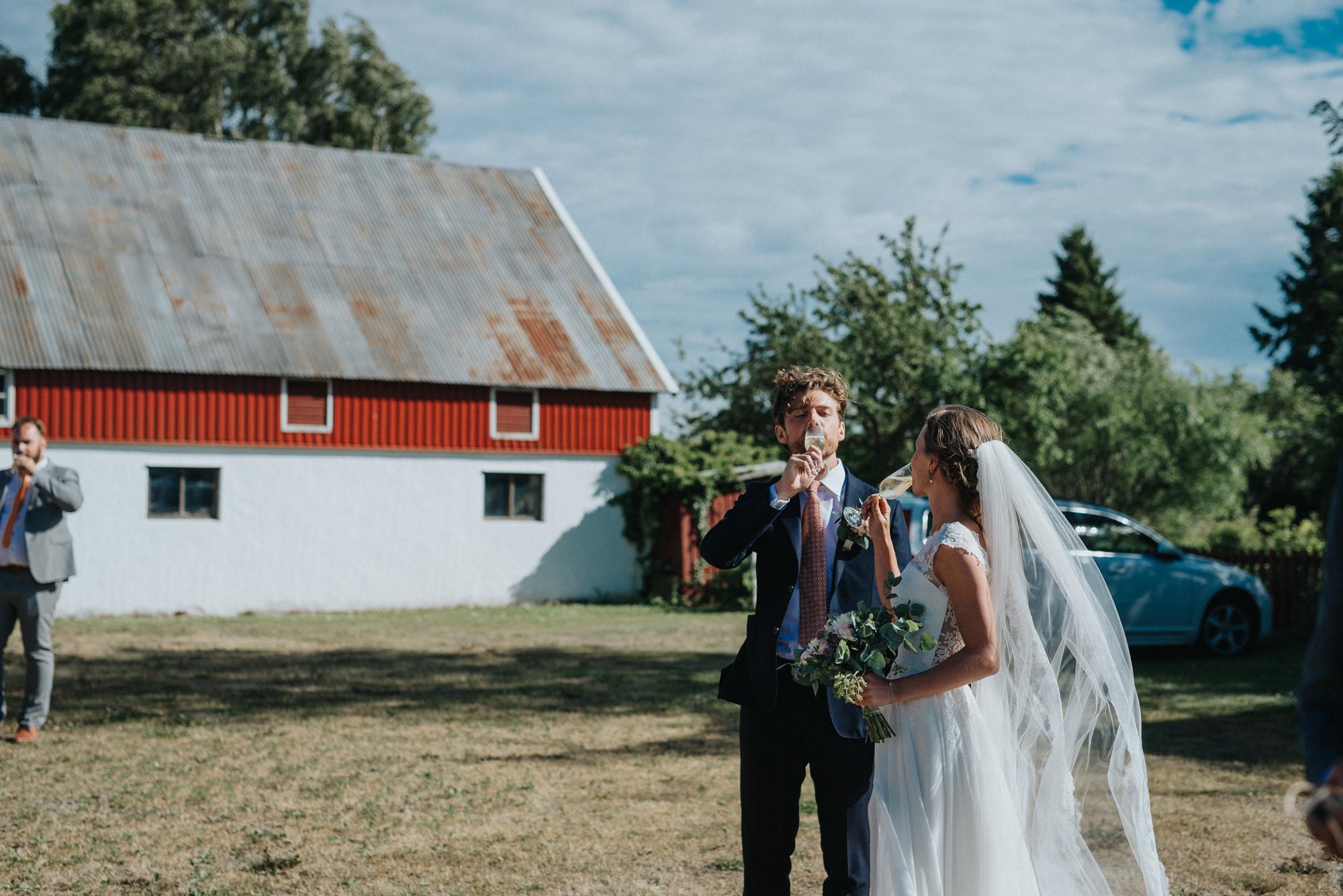 023-bröllop-hemma-hos-ulrika-gotland-neas-fotografi.jpg
