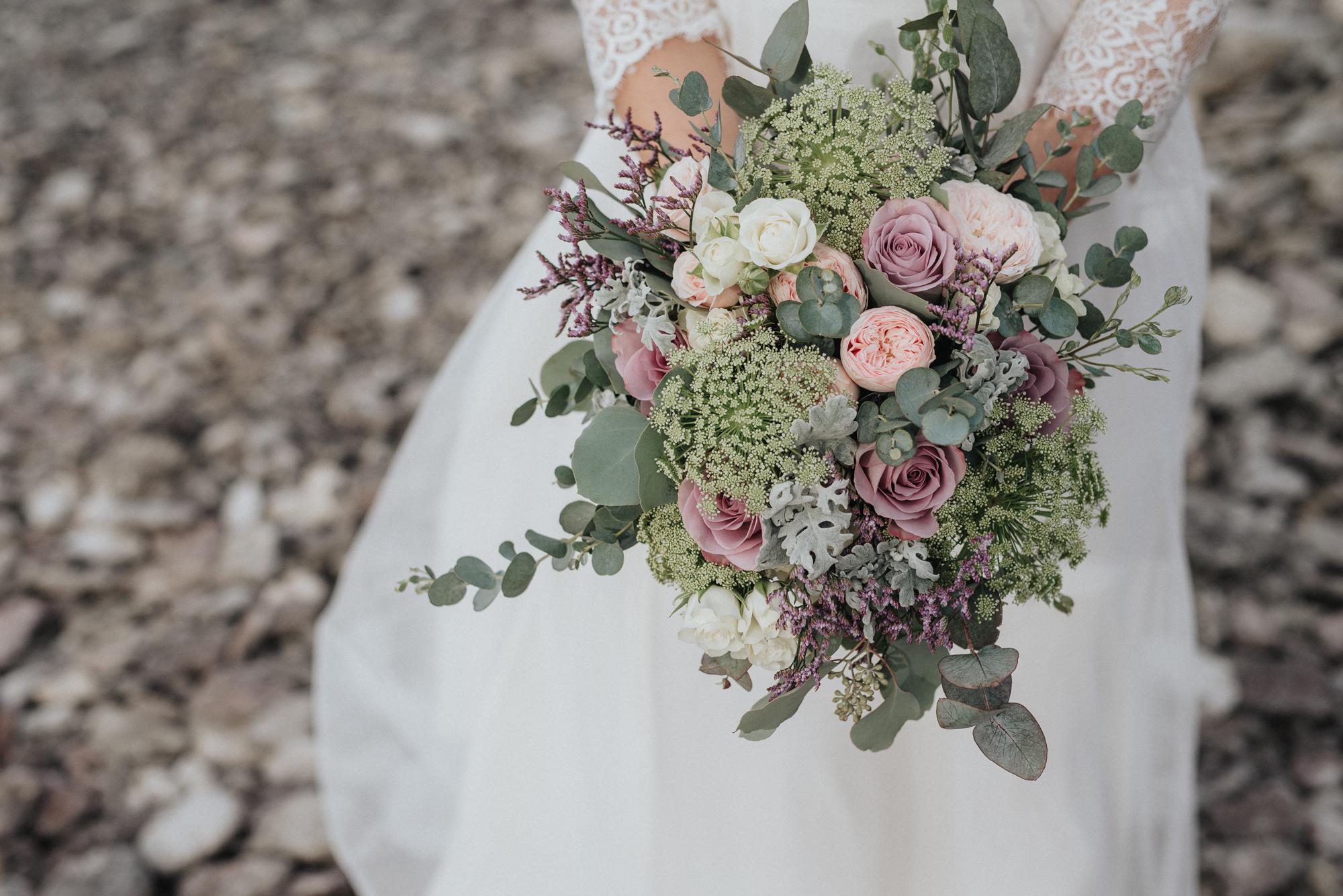 039-irisdals-blomsterhandel-brudbukett-neas-fotografi.jpg