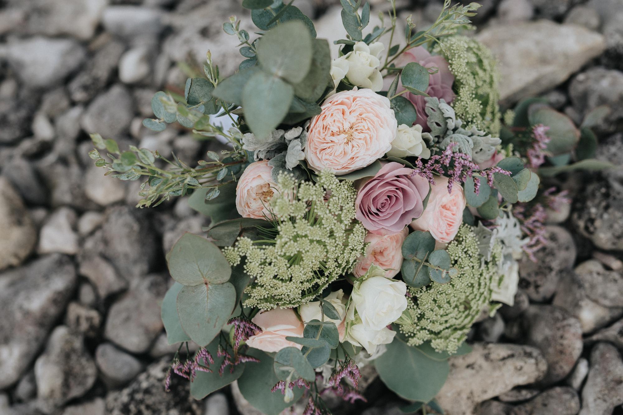 040-irisdals-blomsterhandel-brudbukett-neas-fotografi.jpg