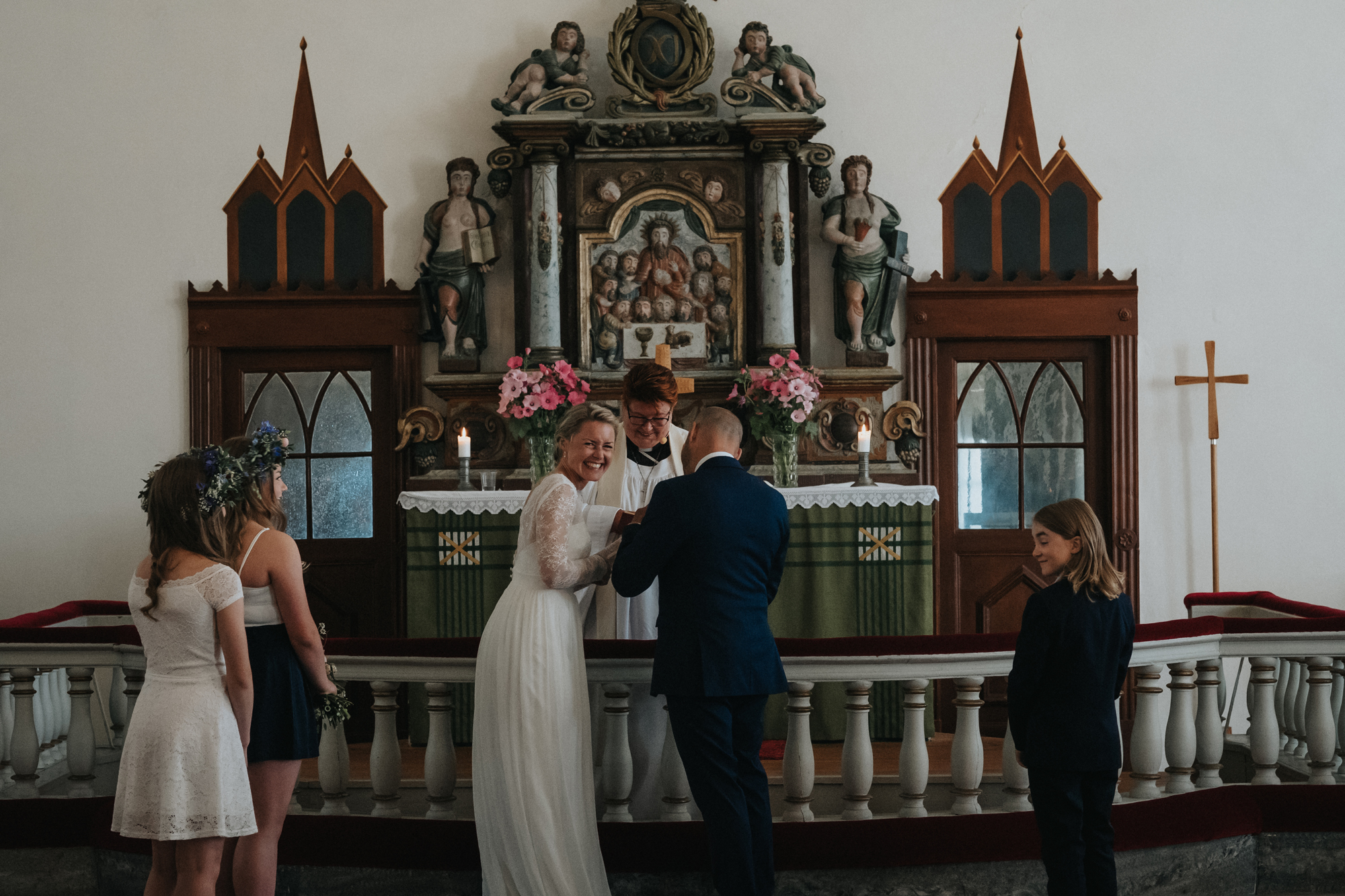 019-bröllop-fårö-kyrka.jpg
