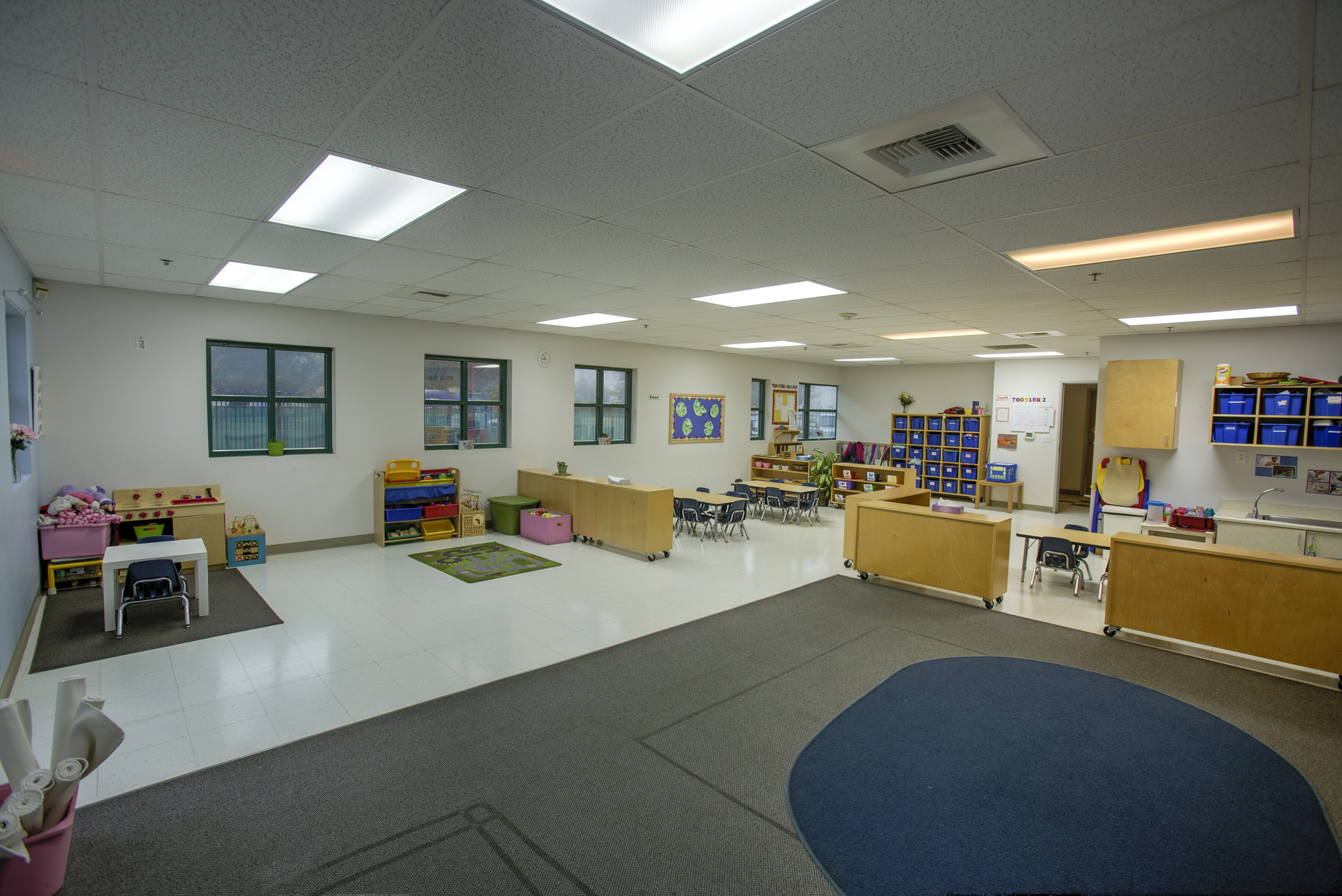 Little-Blossom-Montessori-Preschool-and-Daycare-Services-Sacramento-Natomas_01.jpg