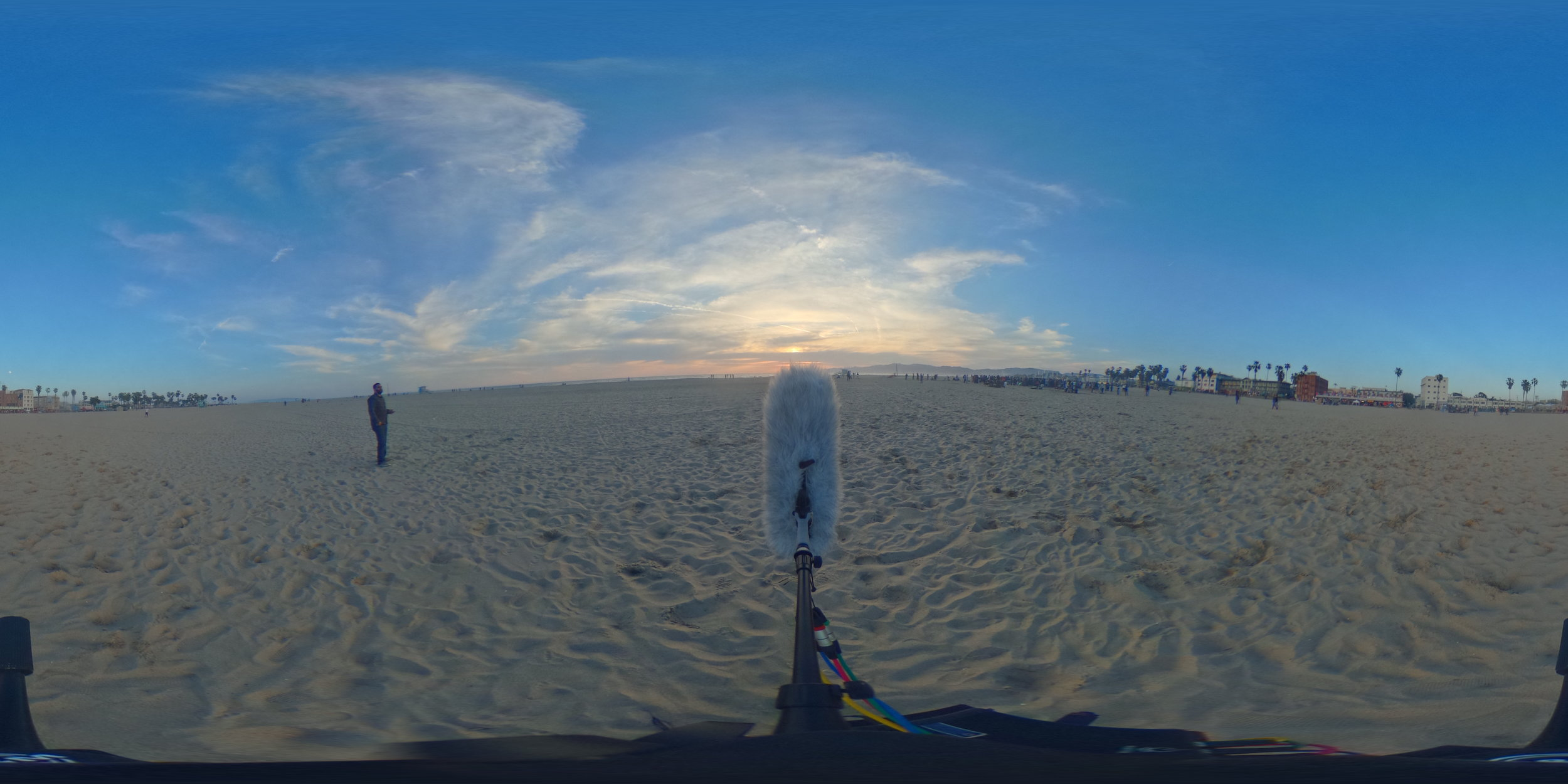 EXT_Day_Beach_MediumDistanceDrumCircle_MediumCrowd_DistantWaves_JPEG.JPG