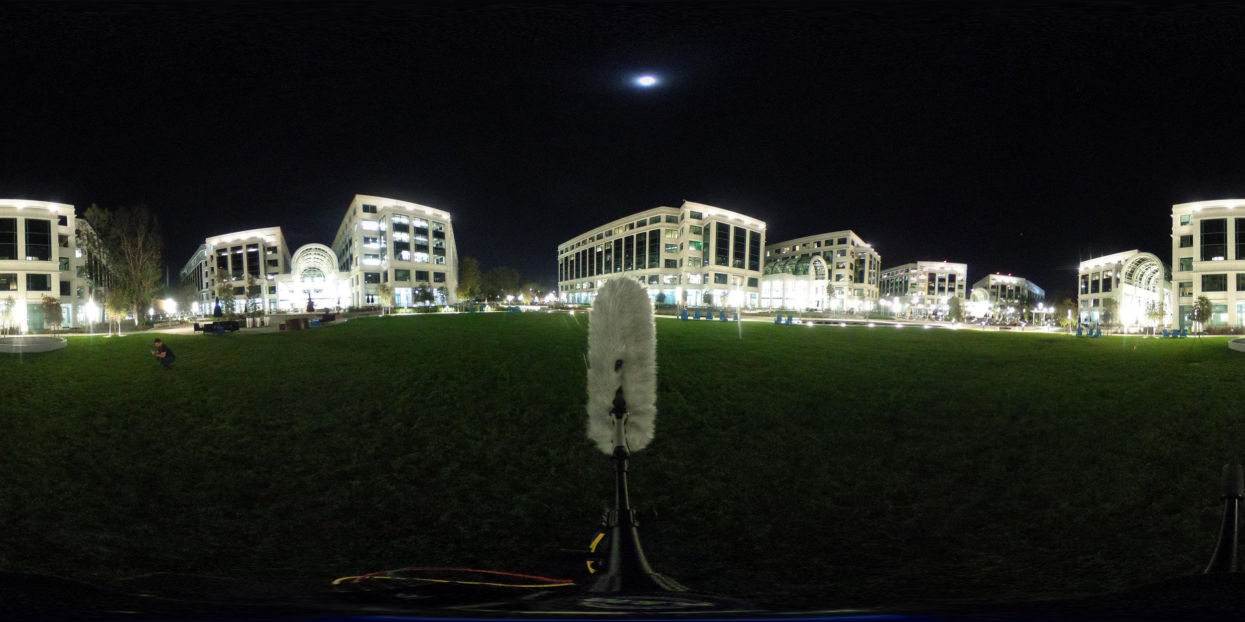 EXT_Night_Park_City_MediumFountain_VeryDistantTraffic_CityRumble_360PictureReference.JPG