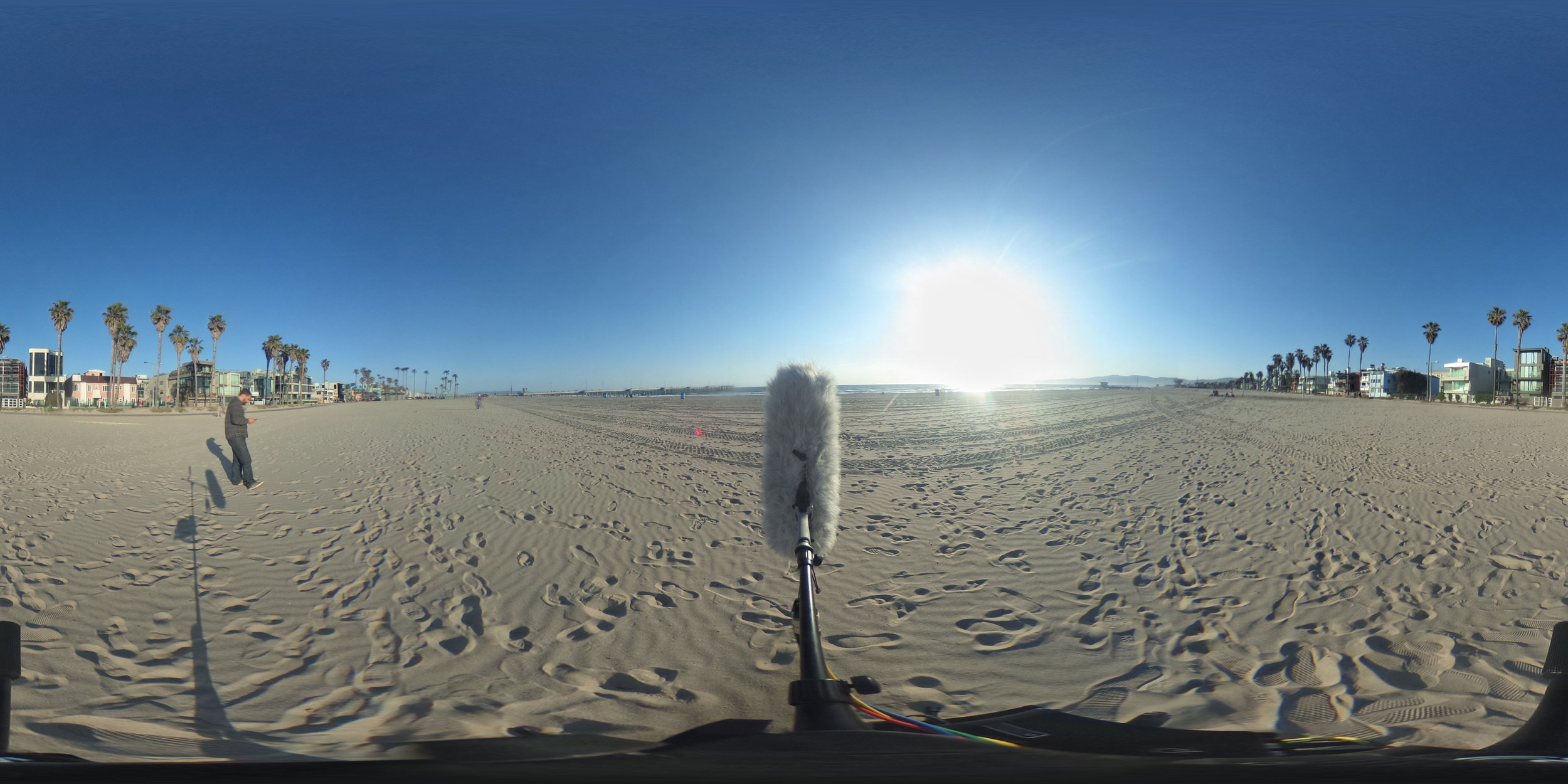 EXT_Day_Beach_CityHum_DistantPlanesOverhead_DistantWaves_DistantWalla_JPEG.JPG