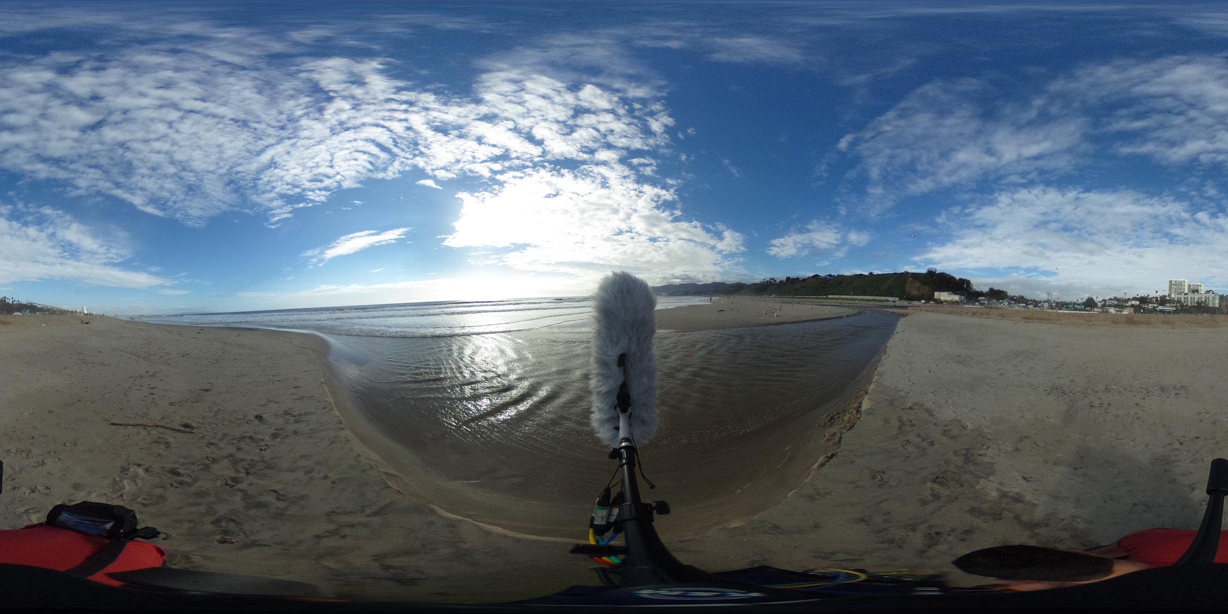 EXT_Day_Beach_OceanWaves_MediumCloseDistance_Footsteps_NearEstuary_JPEG.JPG