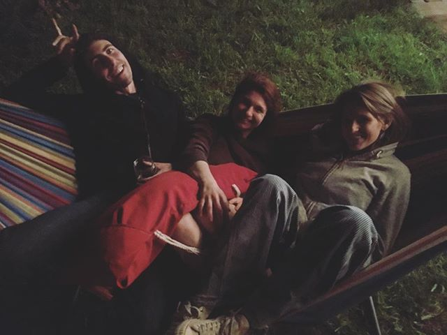 These babes, in post-show hammock bliss. Mad love for them and their music. @larsengardens @dravushousemusic . . #houseshowmagic #thehive #seattlemusic #pacificnorthwest #folkmusic