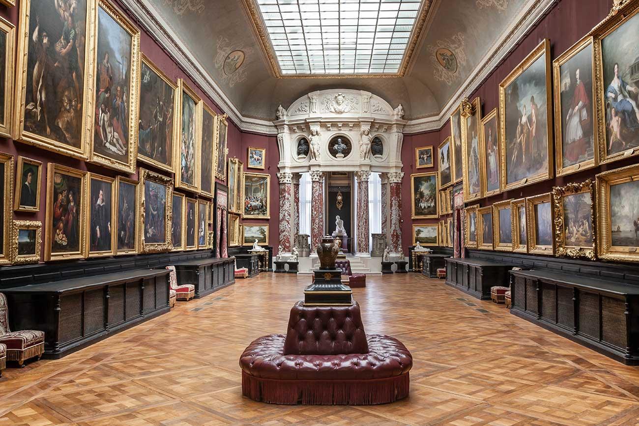 Domaine de Chantilly Galerie-de-peinture-copyright-Sophie-LLoyd-1.jpg
