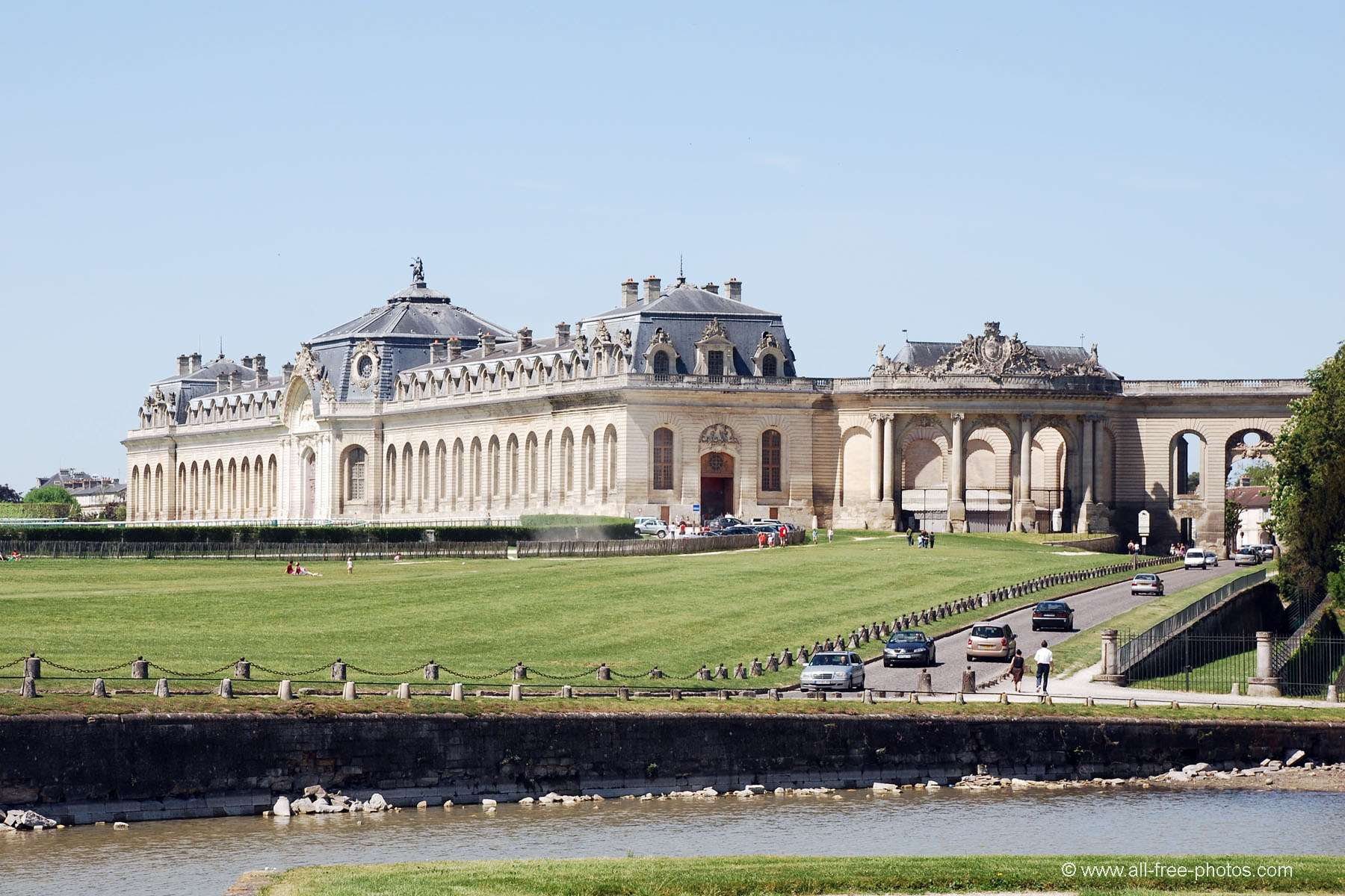 Domaine de Chantilly Great Stables .jpg
