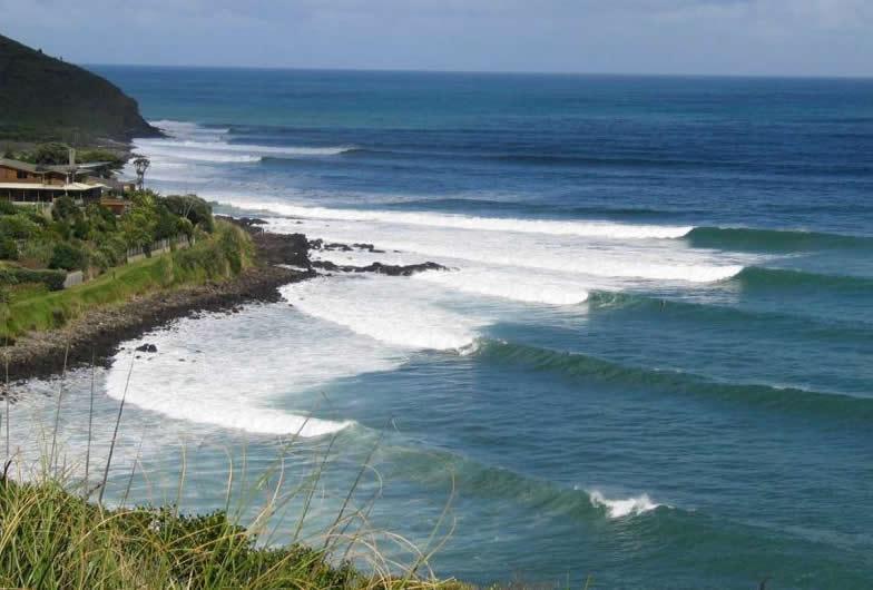 Raglan surfing.jpg