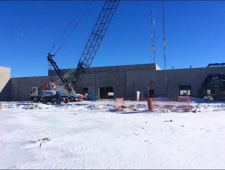 BLPA Cranes placing concrete walls