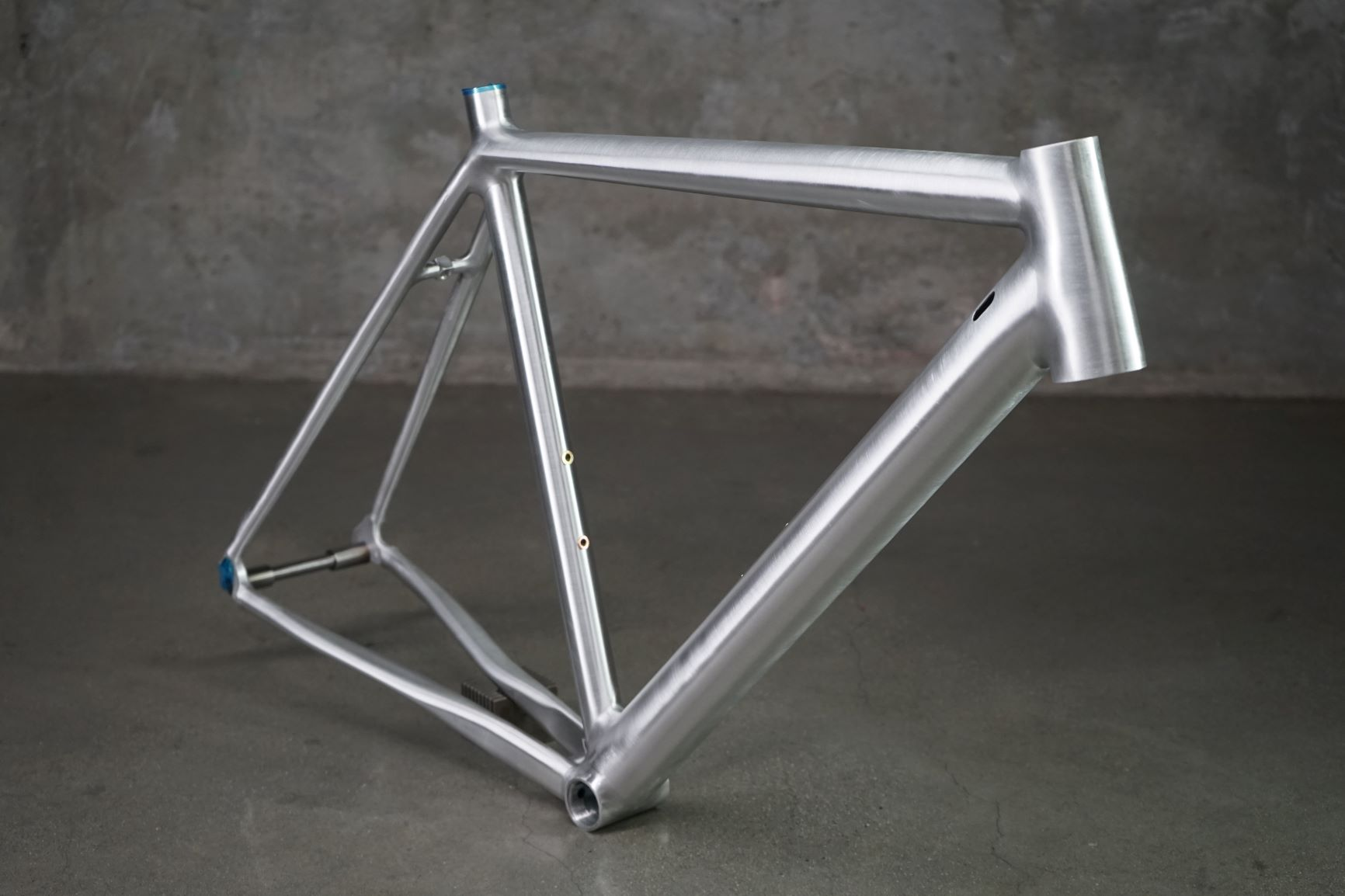 R54I18 54CM RIM BRAKE ROAD READY TO PAINT 1.5 HT ENVE FORK $1850.JPG