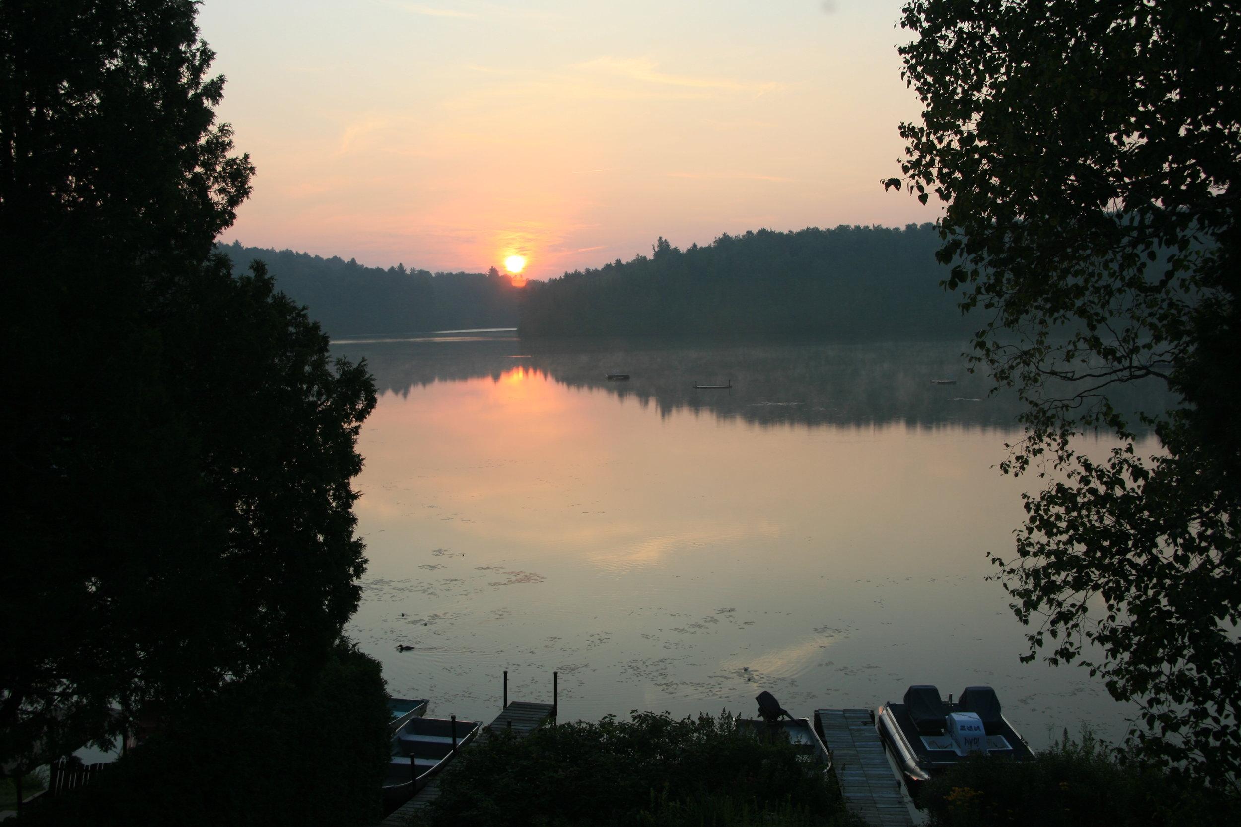 2010 Levee de soleil au lac.JPG