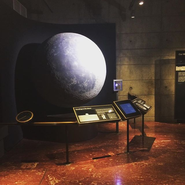 Lunar model in Griffith Observatory.