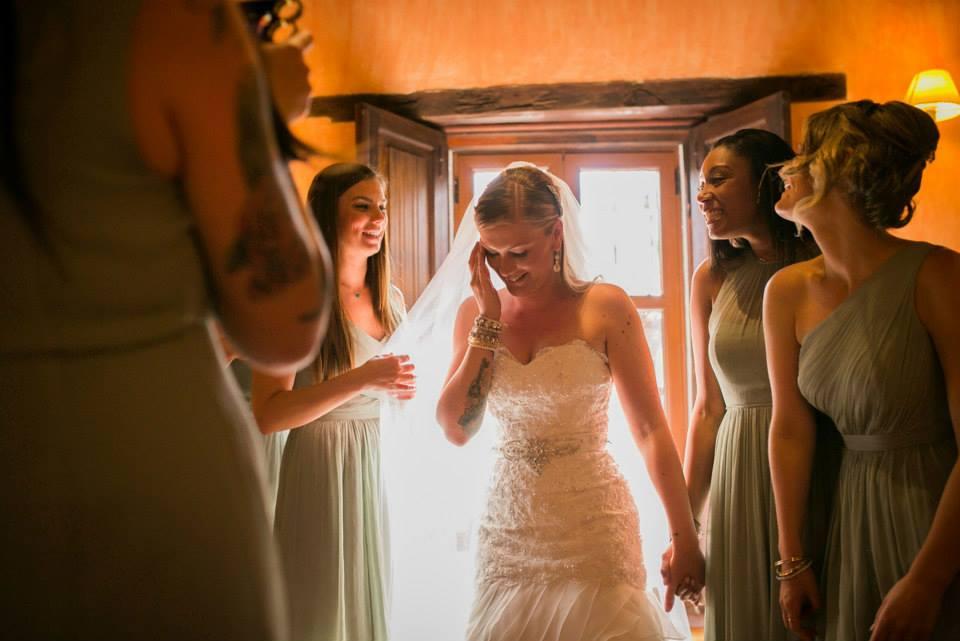 bridefriends-guide-to-destination-weddings-podcast-blackdesti-black-destination-bride-2017-lea-funkhouser-antigua-guatemala-episode-5-bride-getting-ready.jpg