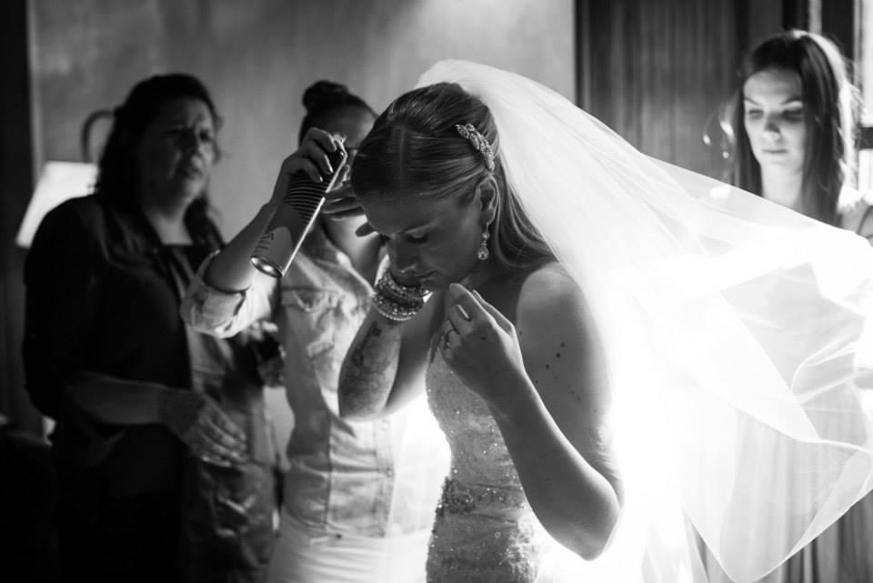 bridefriends-guide-to-destination-weddings-podcast-blackdesti-black-destination-bride-2017-lea-funkhouser-antigua-guatemala-episode-5-bride-getting-ready-2.jpg
