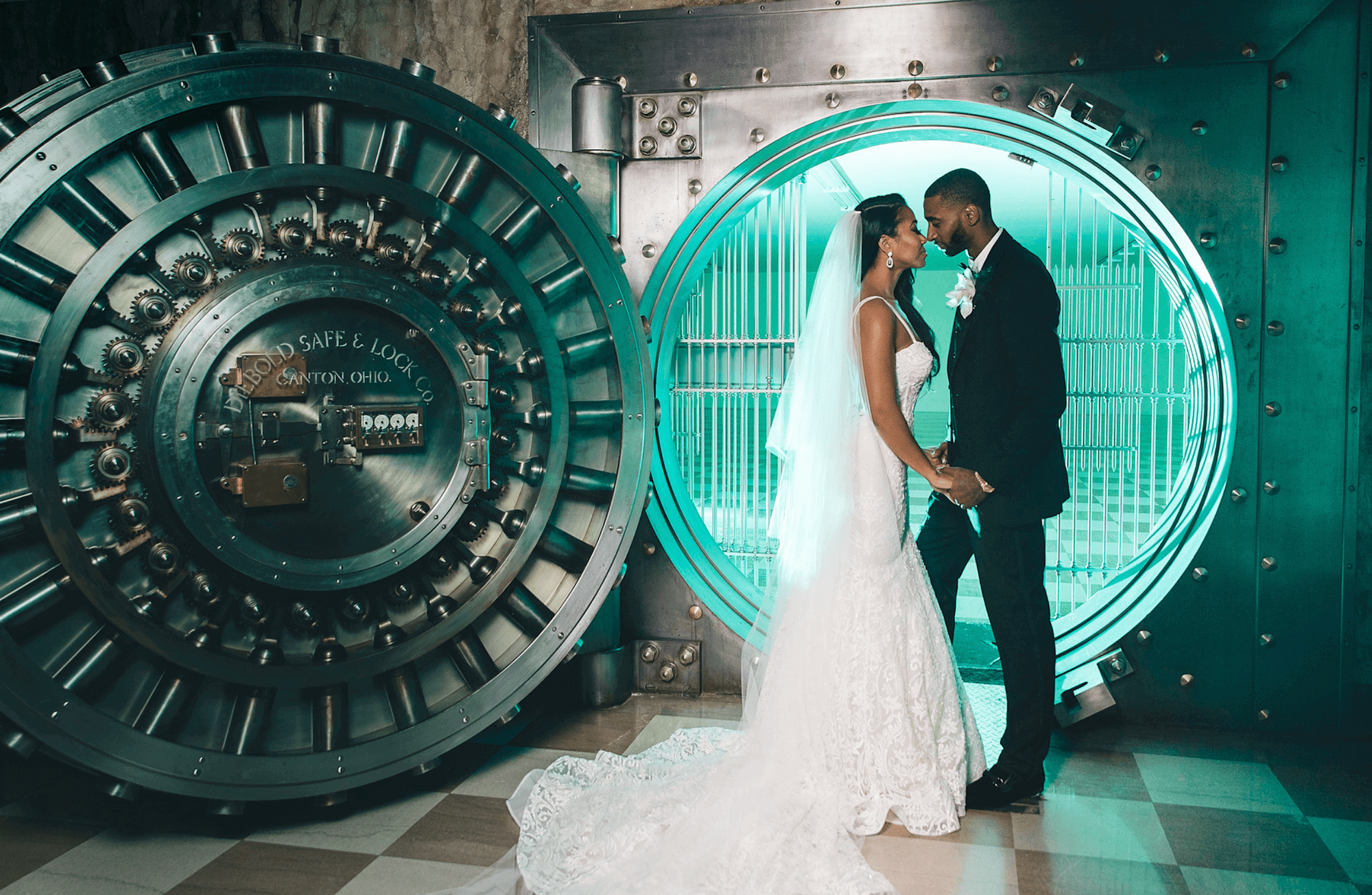 desti-guide-to-destination-weddings-podcast-008-bahamas-destination-wedding-photographer-black-destination-bride-stanlo-photography-interview-4.png