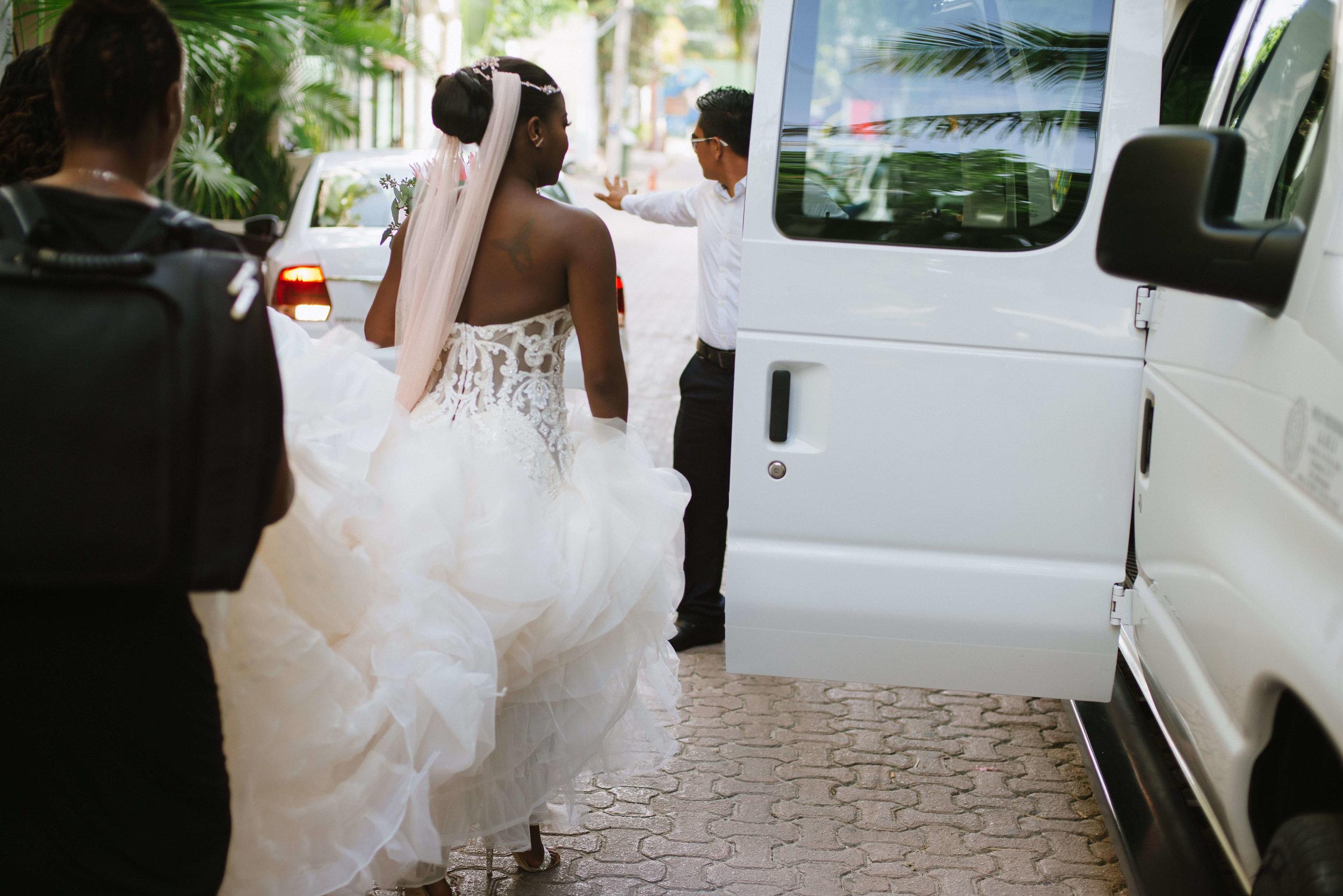 destiland-desti-sweating-for-the-destination-wedding-ready-workouts-2019-back.jpg