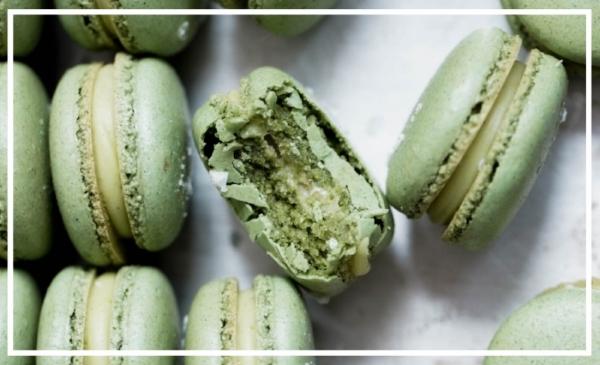 White-Chocolate-Pistachio-Macarons-5.jpg
