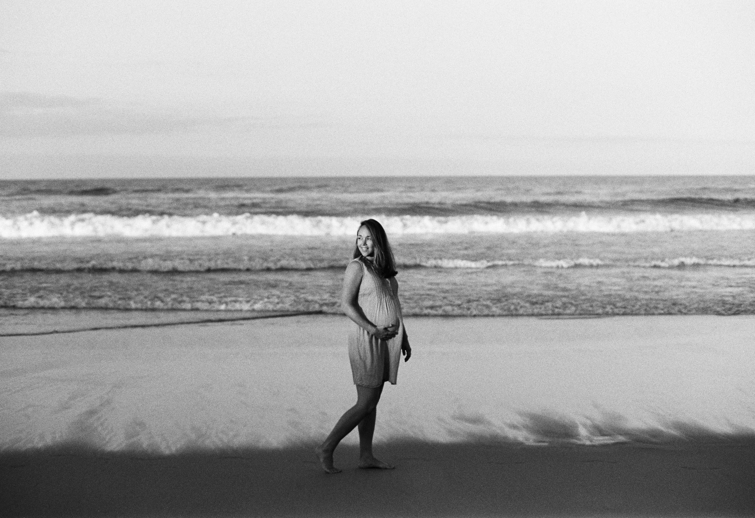 Angie Maternity 20 35mm.jpg
