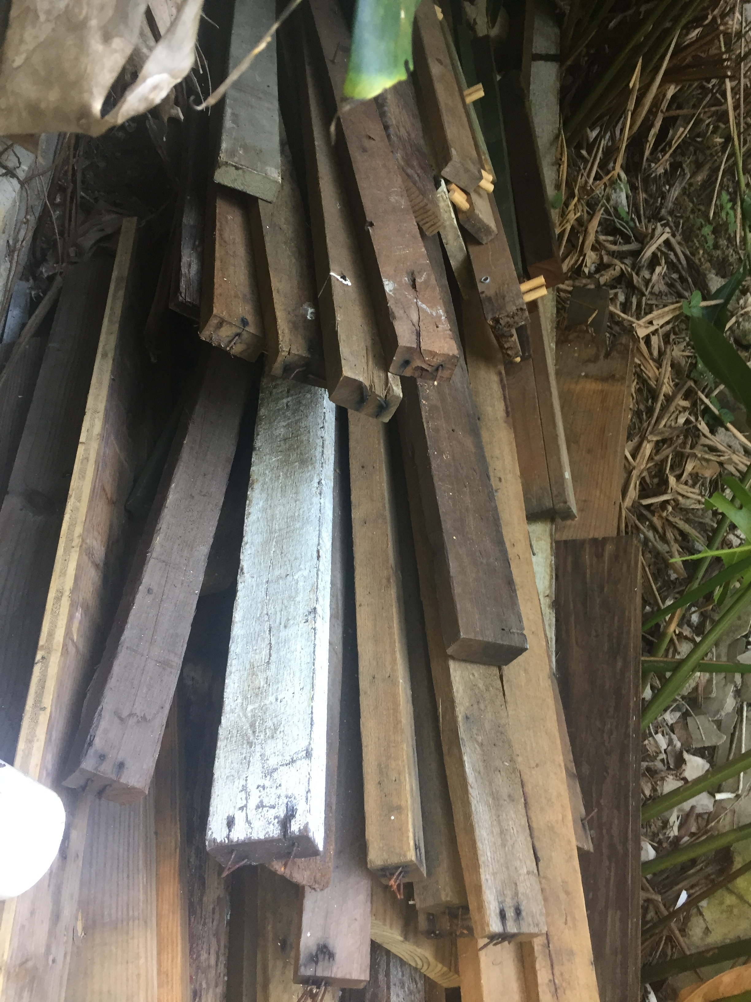 A stack of Aussie hardwoods - a bit of work to de-nail, but otherwise in good condition.