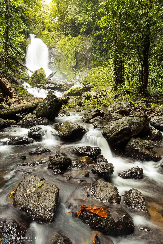 cost arica waterfalls - الشلالات في كوستاريكا