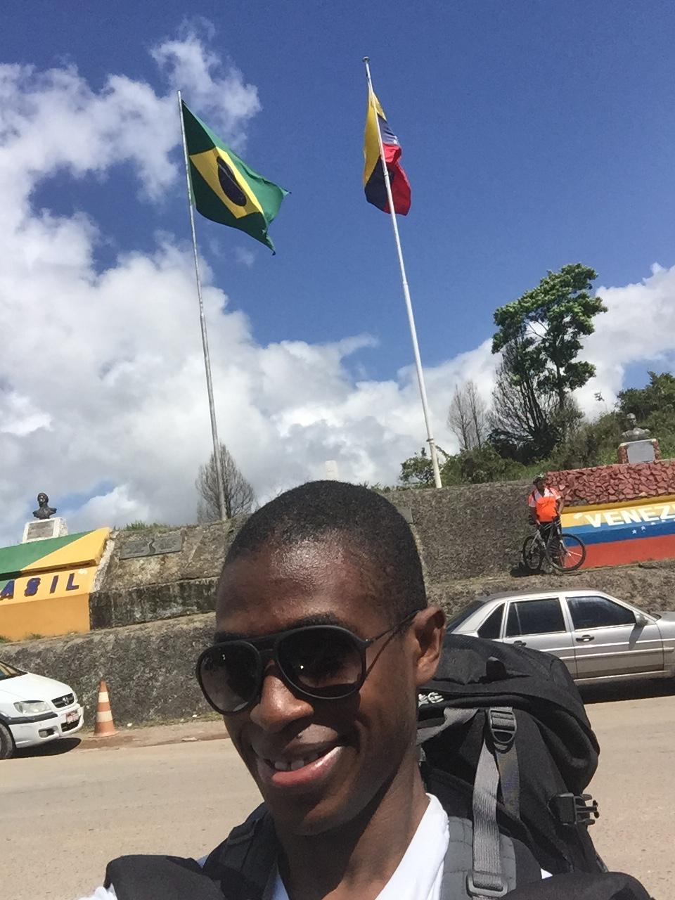 عند تجاوز النقطة الحدودية بين البرازيل وڤنيزويلا