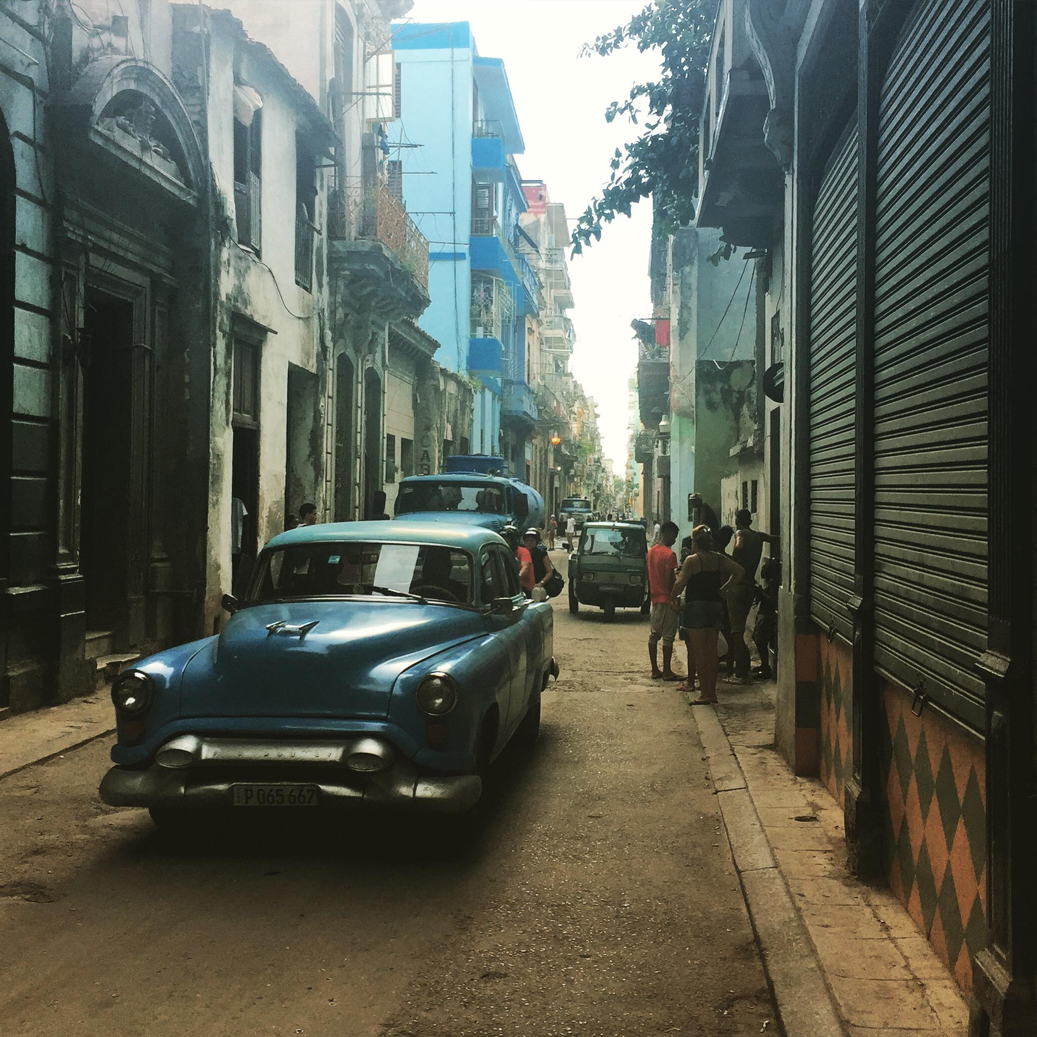 الحياة كما تبدو في هافانا القديمة