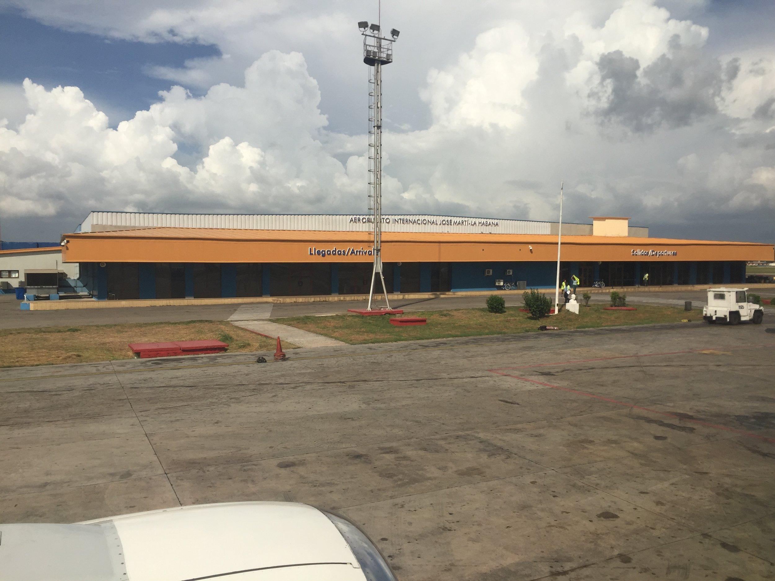 أحد صالات مطار خوسيه مارتي في هافانا