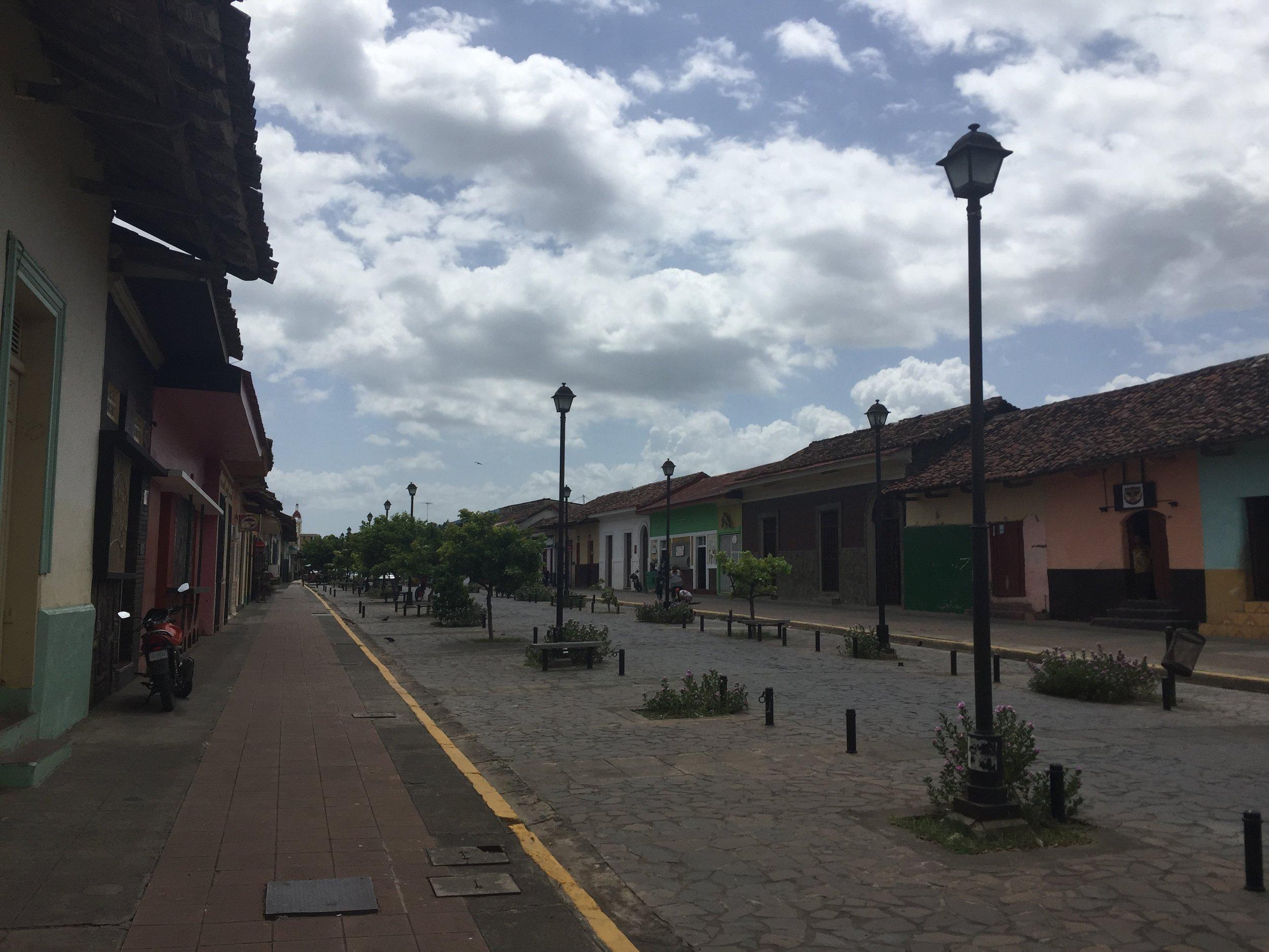 الشارع الرئيسي في غرناطة