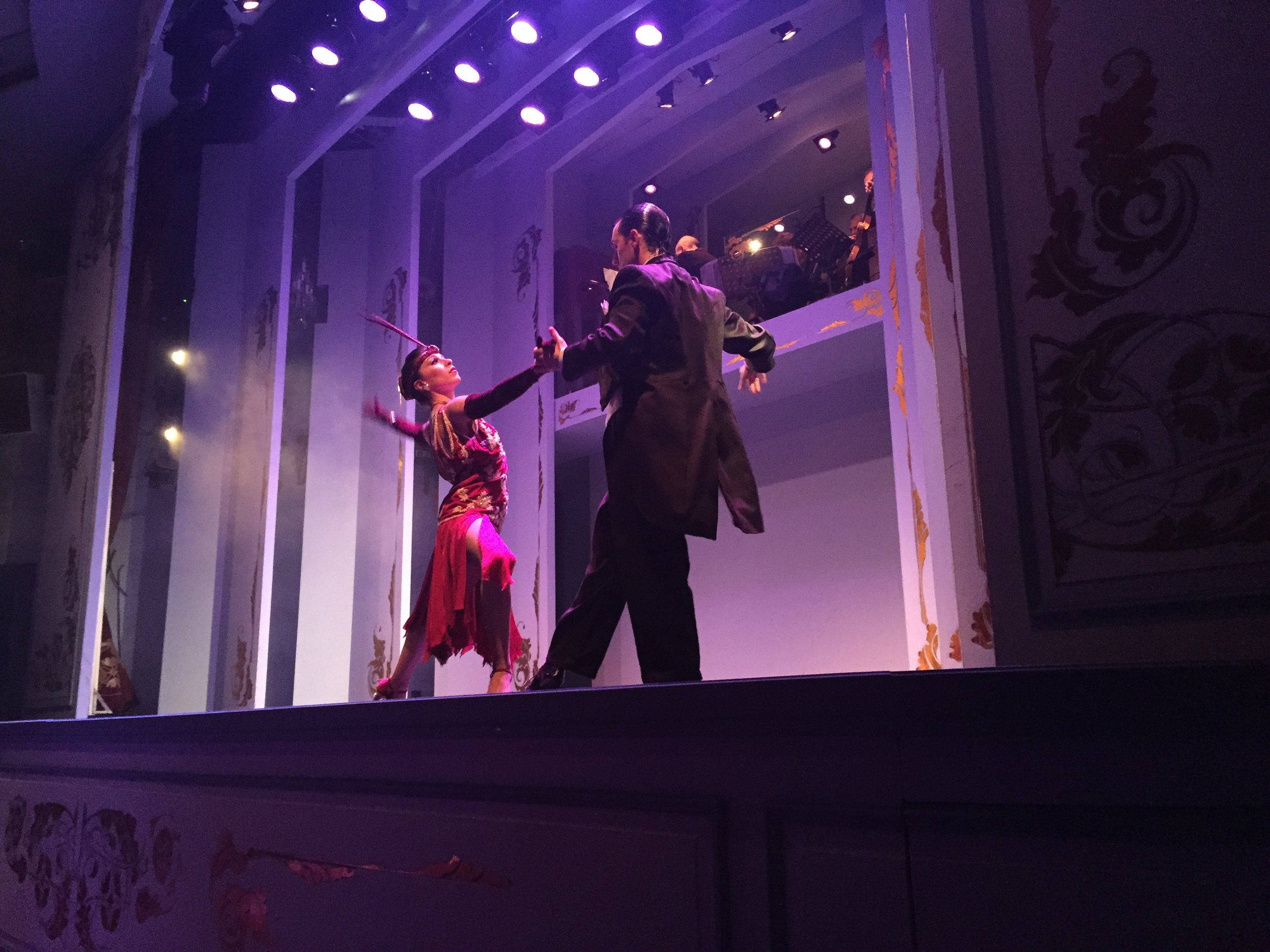 رقصة التانغو في الأرجنتين