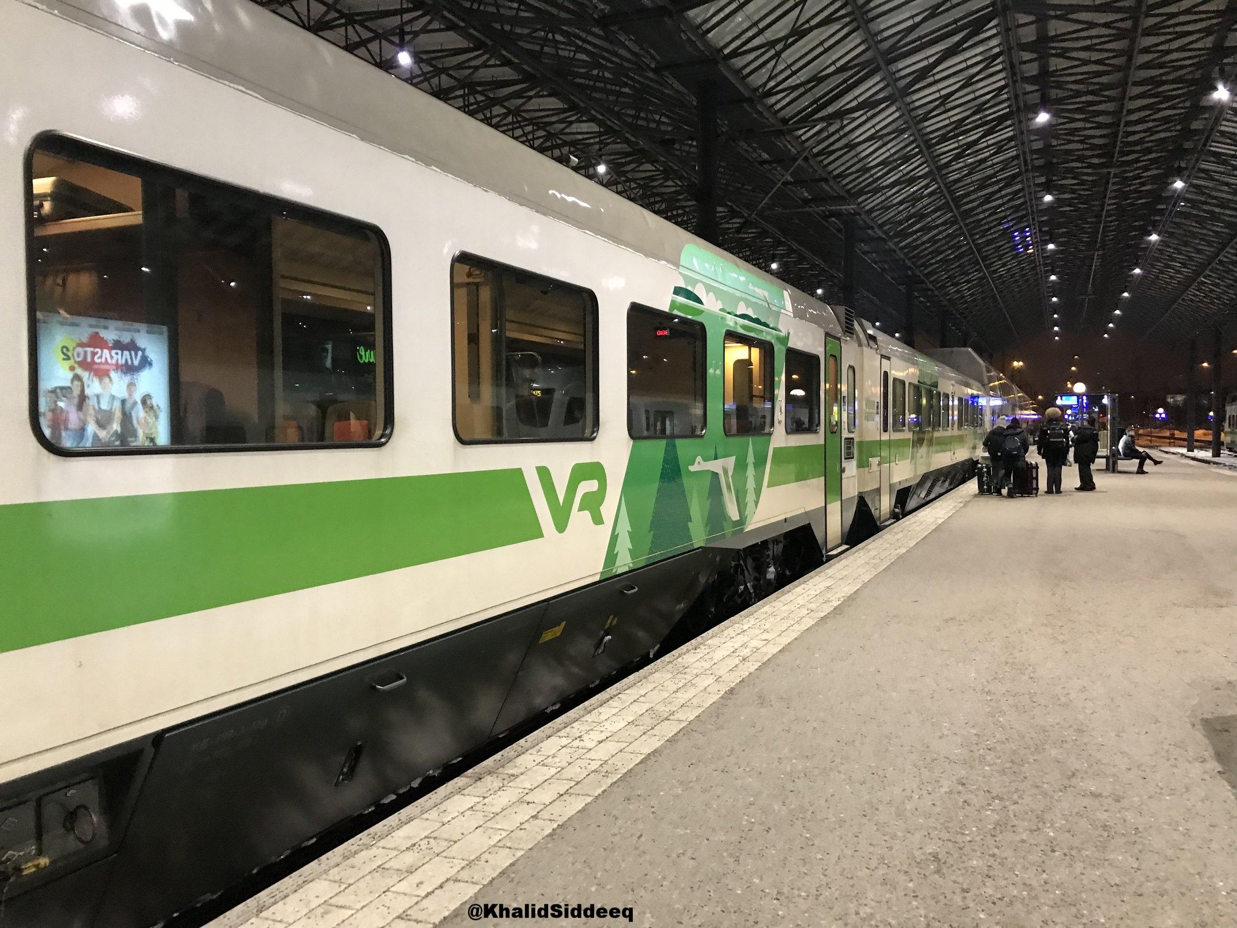 القطار من هلسنكي إلى روفانيمي