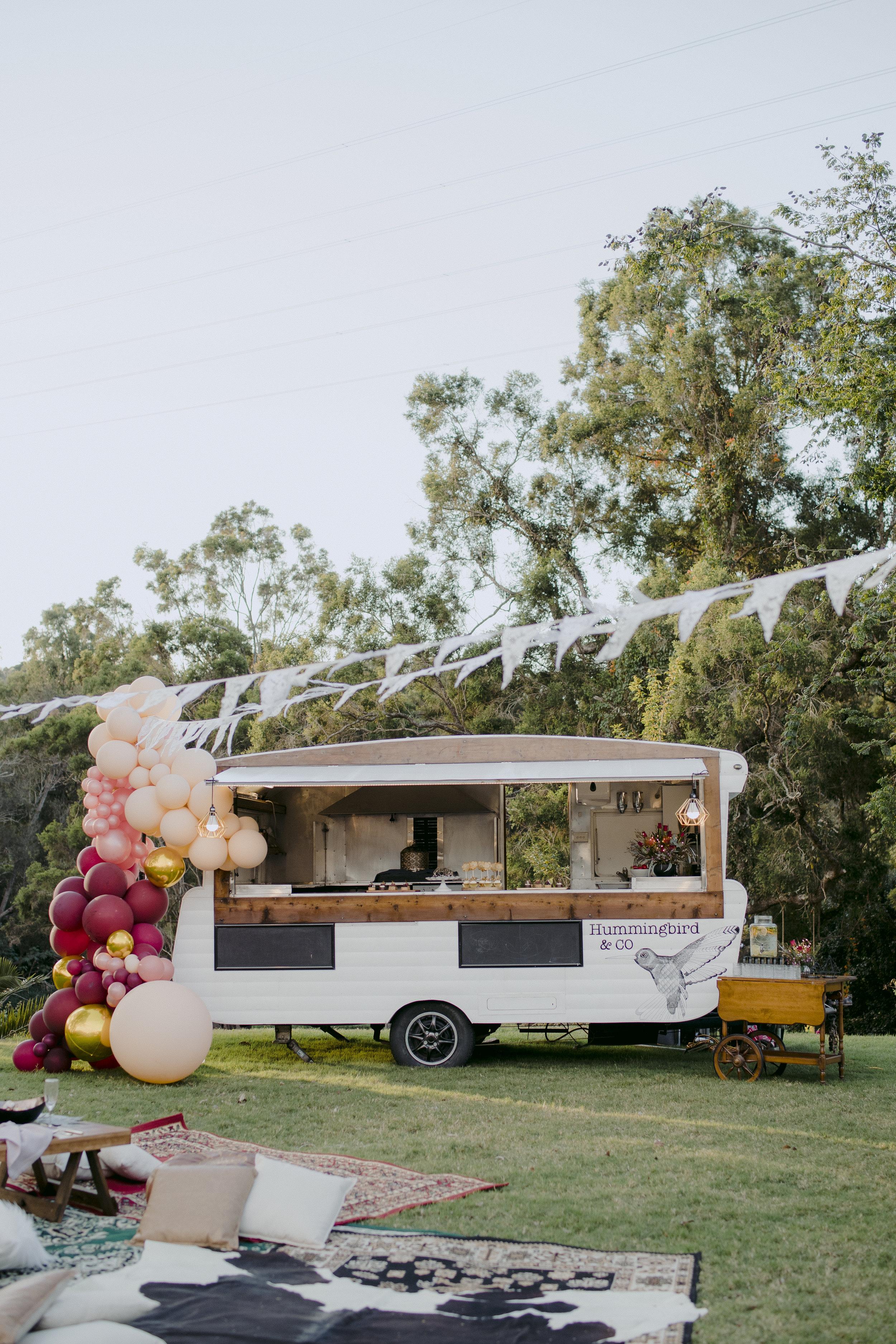 vintage caravan and pop up bar service -