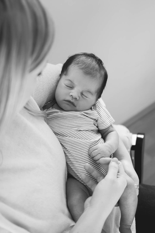GavinNoyola_newborn-147.jpg