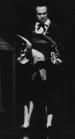 Hector Vasquez als Anton Mesmer