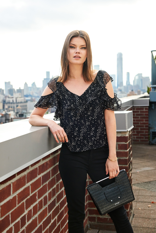 Imogen Cold Shoulder Top - Black Star Print & Open Bar Croco Embossed Clutch& Octavia Collar Necklace - Gold