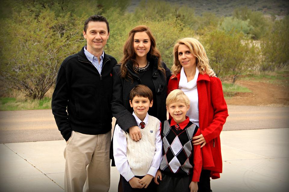 Gut funktionierende Familien sind gesucht. Familien, wo die Vater- und Mutterrolle gelebt und Verantwortung wahrgenommen wird.