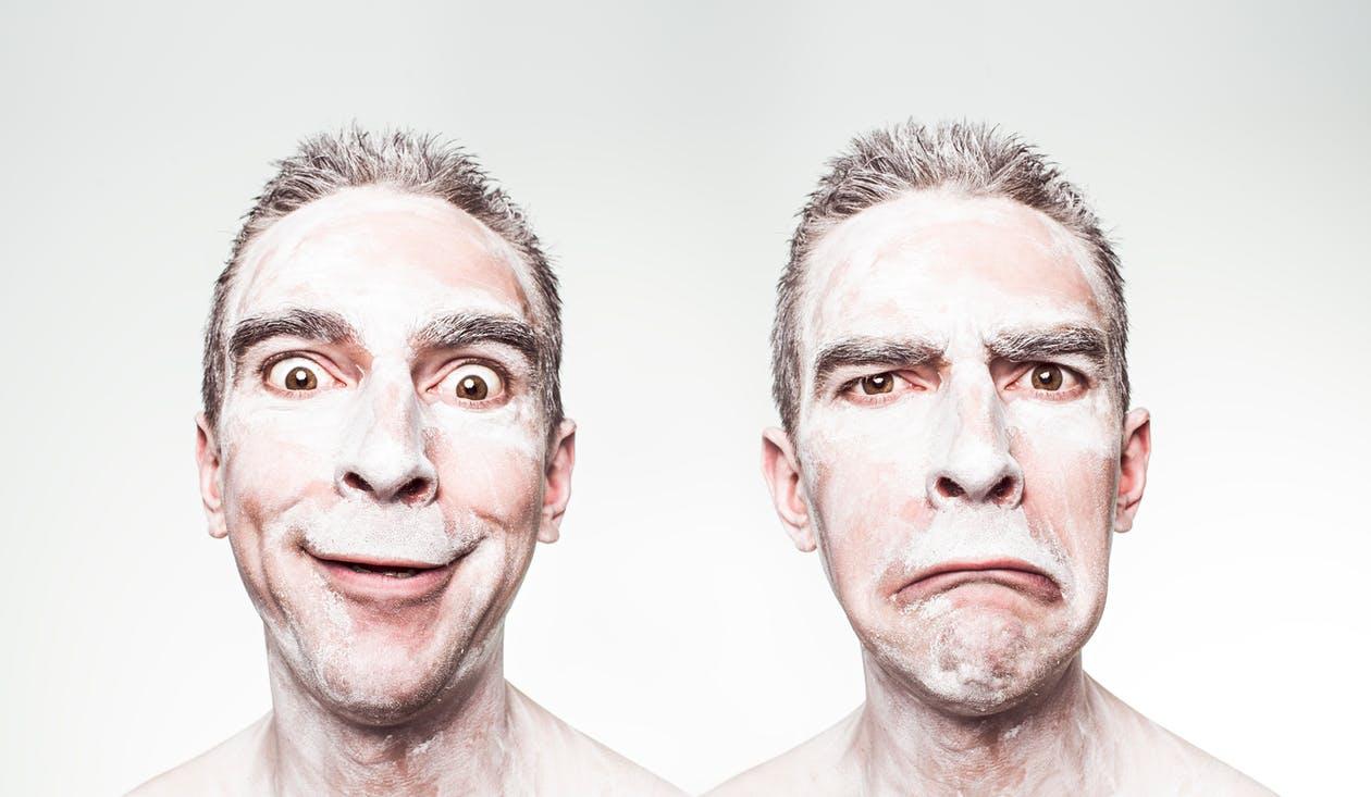 Wir alle haben verschiedene Gesichter. Versuchen Sie doch mal, das rechte Gesicht zu akzeptieren ! Funktioniert es ? Geht nicht so leicht, richtig ? Linkes Bild zeigt, es steckt doch eigentlich ein sympathischer Kerl dahinter, oder ?