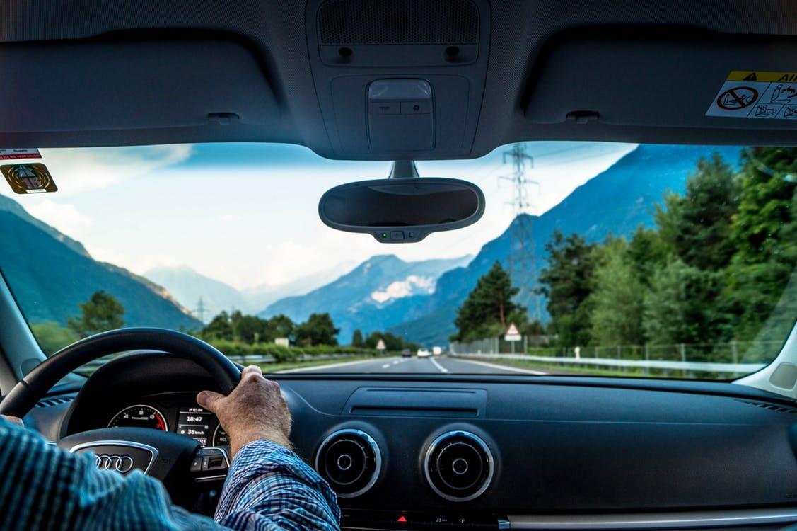 Eustress auf Deutschen Autobahnen - endlich so schnell fahren, wie man möchte... Wunderbar! Nicht alle Menschen erleben das so. Für viele ist das Autofahren ein Disstress !